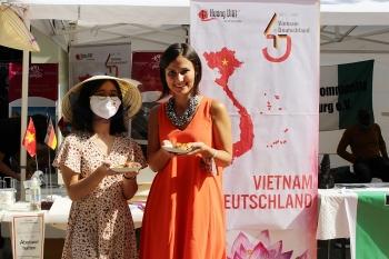 Nón lá của Việt Nam tại Lễ hội Đa văn hóa ở Đức gây ấn tượng với bạn bè quốc tế