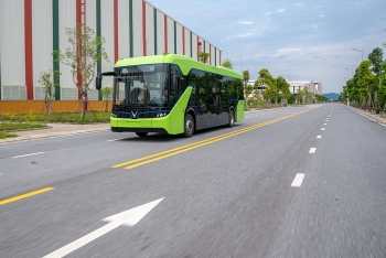 Vingroup chính thức chạy thử nghiệm xe buýt điện VinFast
