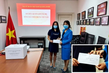 Cộng đồng người Việt tại Singapore, Thái Lan và Séc hướng về miền Trung