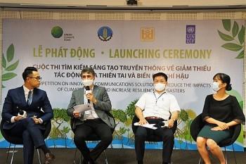 Tuyên truyền giảm thiểu tác động của thiên tai và biến đổi khí hậu tới sinh viên Việt Nam
