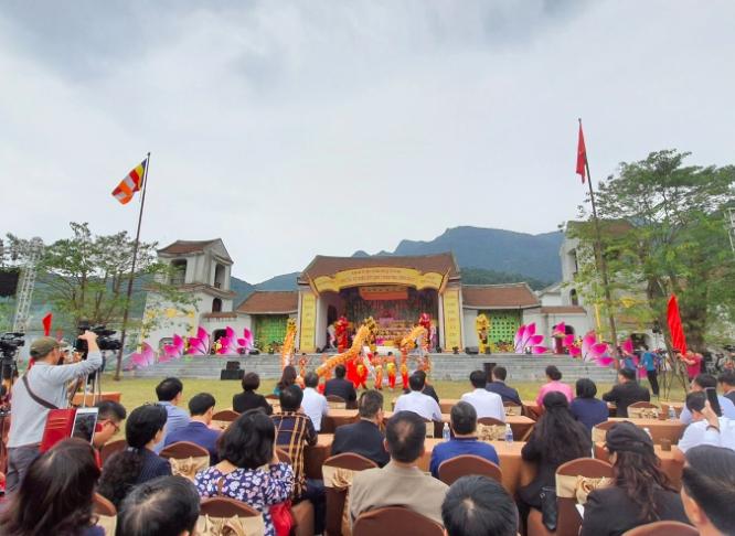 """Nhiều hoạt động tôn giáo đặc sắc trong chương trình """"Yên Tử - Về miền đất Phật mùa thu"""""""