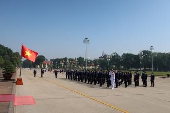 Liên hiệp các tổ chức hữu nghị Việt Nam báo công dâng Bác