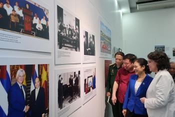 """Triển lãm """"Cuba trong trái tim nhân dân Việt Nam"""": 90 bức ảnh quý -bằng chứng sống động cho mối quan hệ thắm thiết Việt Nam - Cuba"""