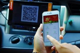Xe khách, xe buýt, taxi đồng loạt triển khai thanh toán không tiền mặt