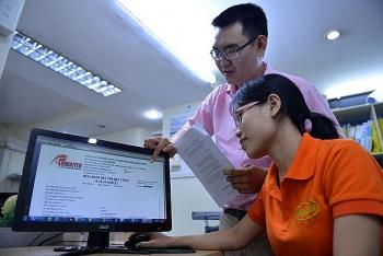 Người nộp thuế cần làm gì khi nghi ngờ hóa đơn điện tử giả?