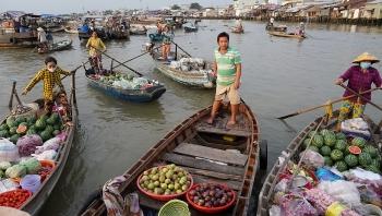 Cần Thơ: Trên 400 suất quà tặng tiểu thương chợ nổi Cái Răng vui Xuân đón Tết