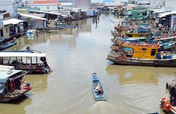 Cà Mau tổ chức đối thoại chung tay chống khai thác thủy sản bất hợp pháp