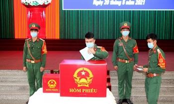 Cần Thơ tổ chức bầu cử sớm cho lực lượng công an, quân đội