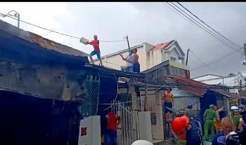 Kiên Giang: Cháy lớn gần chục căn nhà bị thiêu rụi hoàn toàn