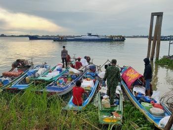 Bộ đội Biên phòng An Giang: Ngăn chặn 7 gia đình nhập cảnh trái phép từ Campuchia vào Việt Nam