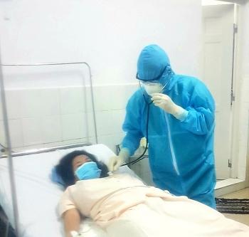 Phẫu thuật lấy thai thành công cho sản phụ nghi nhiễm Covid-19