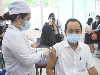 Cần Thơ đề nghị Bộ Y tế ưu tiên phân bổ khẩn 1 triệu liều vắc xin phòng COVID-19