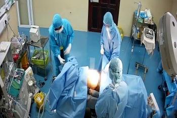 Cần Thơ: Cấp cứu thành công bệnh nhân nhiễm Covid-19 bị thủng dạ dày