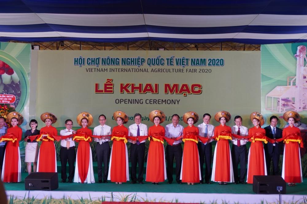100 đơn vị trong và ngoài nước tham gia Khai mạc Hội chợ Nông nghiệp Quốc tế tại Cần Thơ