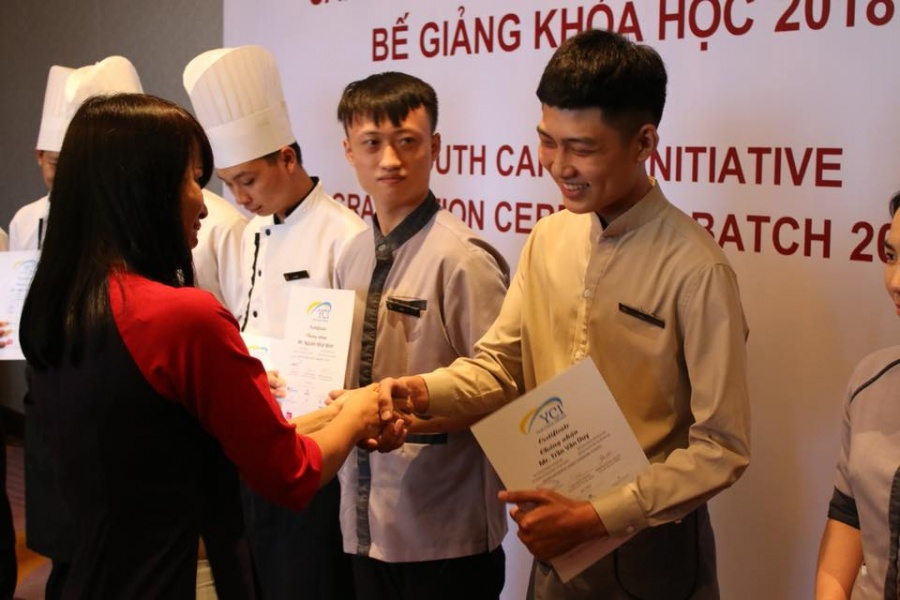 thanh nien co hoan canh kho khan co co hoi duoc cap chung chi nghe quoc te