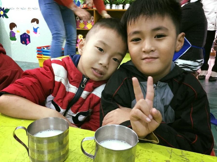 zhishan ho tro sua dau nanh cho hon 2000 hoc sinh thua thien hue