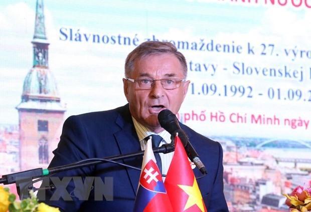 tphcm sap co toa thap huu nghi viet nam slovakia
