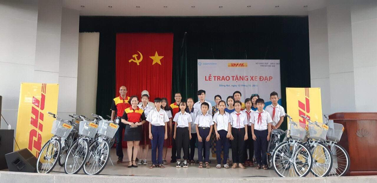 saigonchildren trao 50 xe dap cho hoc sinh co hoan canh kho khan dong nai