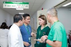 Operation Walk giúp bệnh nhân nghèo Việt Nam thay khớp miễn phí