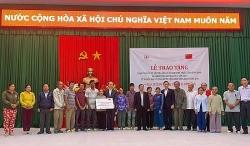 Bình Định: Đại sứ quán Trung Quốc hỗ trợ 20 hộ dân mất nhà cửa do bão số 5