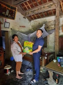 Dr Hoàng Tuấn và sáng kiến ATM gạo: Ấm tình người giữa đại dịch Covid-19
