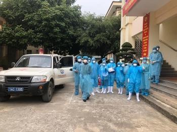 Quảng Ninh phong tỏa thị trấn Cái Rồng, TP.HCM lập danh sách người đến vùng dịch