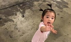 Tránh cháy rừng Australia, bé gái 18 tháng tuổi lại mắc kẹt ở tâm dịch virus corona