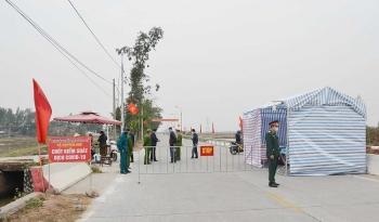 Quảng Ninh dừng vận tải liên tỉnh, người rời đi phải có giấy xác nhận âm tính COVID-19