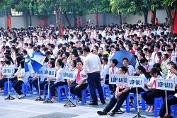 nghi hoc chong covid 19 nam sinh len ray phu cha bi set danh tu vong