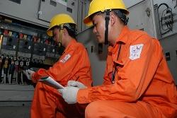 Bộ Công thương đề xuất giảm 10% giá điện trong 3 tháng tới