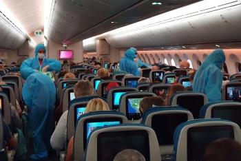 vietnam airlines mo 2 chuyen bay cho 600 cong dan chau au ve nuoc