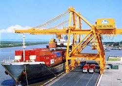 Giải pháp nào đối phó nguy cơ hàng nhập khẩu giá rẻ tràn vào Việt Nam?