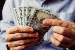 Lãi suất hôm nay 11/6: Các ngân hàng thừa tiền, lãi suất liên tục giảm