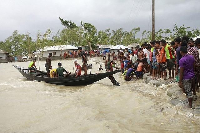 sieu bao amphan tan pha an do va bangladesh giet chet it nhat 106 nguoi
