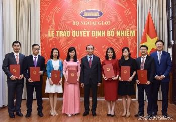 Bổ nhiệm lãnh đạo mới Bộ Ngoại giao và Bộ Nông nghiệp - Phát triển nông thôn