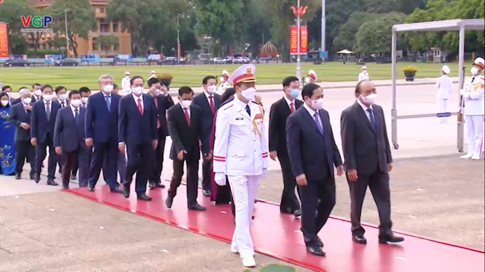 Video: Lãnh đạo Đảng, Nhà nước vào Lăng viếng Chủ tịch Hồ Chí Minh