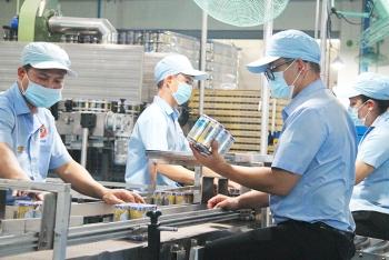 Thủ tướng yêu cầu chấn chỉnh việc áp dụng biện pháp phòng dịch quá mức cần thiết gây ảnh hưởng sản xuất kinh doanh
