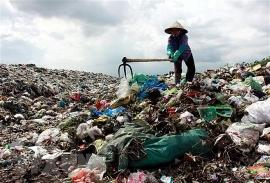 Bãi rác Nam Sơn bị chặn, Hà Nội tạm thời tập kết rác tại Cầu Diễn