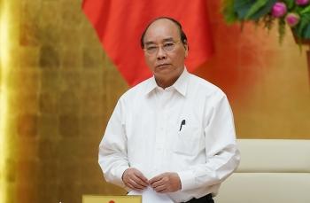 Thủ tướng Nguyễn Xuân Phúc: Cần bình tĩnh, tìm cách ngăn chặn lây nhiễm trong cộng đồng