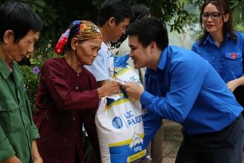 Tuổi trẻ Liên hiệp tặng quà tri ân, tổ chức khám sức khoẻ miễn phí tại Điềm Mặc