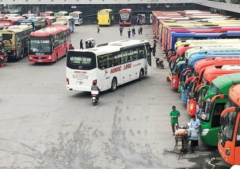 Hà Nội tạm dừng vận tải hành khách công cộng tới 14 tỉnh, thành