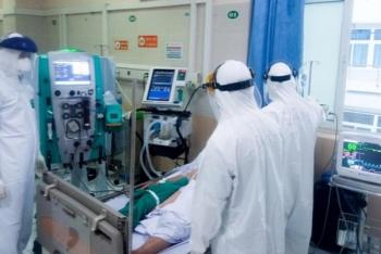 Gần 6.500 ca COVID-19 nặng đang được điều trị