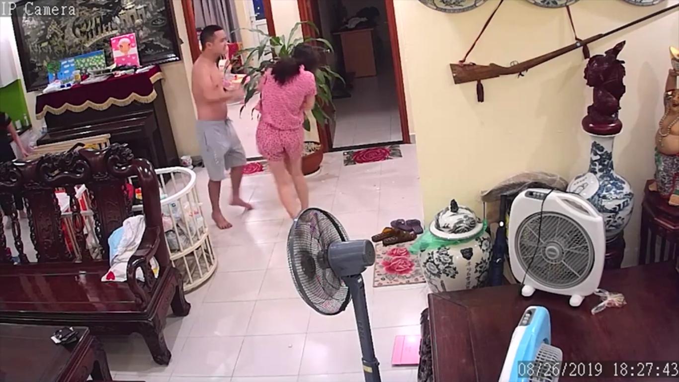 video chong vo su danh vo moi sinh con phai nhap vien