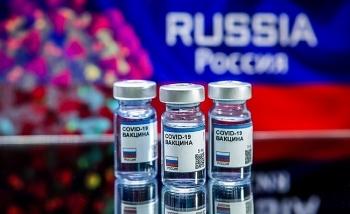 Việt Nam đặt mua vaccine COVID-19 của Nga và Anh