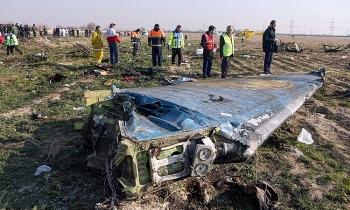 Máy bay Ukraine rơi tại Iran bị trúng liên tiếp 2 quả tên lửa
