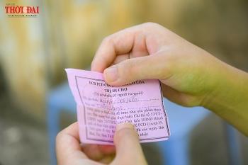 Hà Nội: Người dân nghiêm túc sử dụng phiếu đi chợ, tự giác chấp hành quy định giãn cách