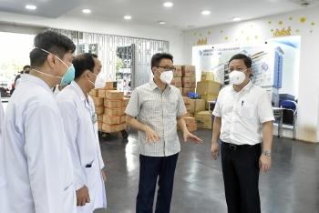 Dồn sức điều trị, tiêm chủng ở TP Hồ Chí Minh