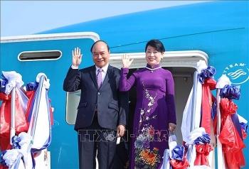 Chủ tịch nước Nguyễn Xuân Phúc đến Vientiane, bắt đầu thăm hữu nghị chính thức CHDCND Lào