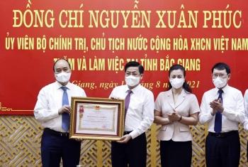 Chủ tịch nước tặng Huân chương cho tỉnh Bắc Giang vì thành tích chống dịch