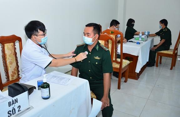 Nâng cao năng lực hệ thống y học dự phòng quân đội